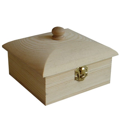 Kist vierkant met slotje grenen (823)